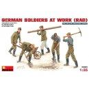 MiniArt 35065 - Deutsche Soldaten bei der Arbeit (Rad)  1:35